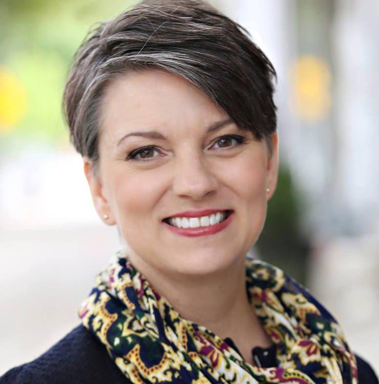 Waynette Araj Headshot
